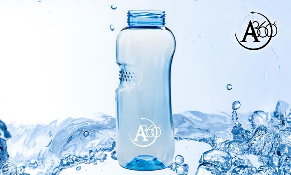 La borraccia torna di moda e aiuta la causa dell'acqua