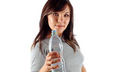 Acqua in bottiglia, se si scalda è pericolosa per la salute